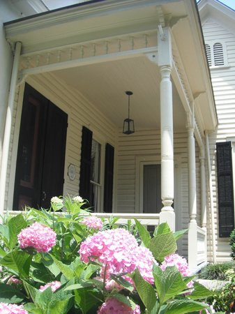 Horace Williams House: 1880s Porch