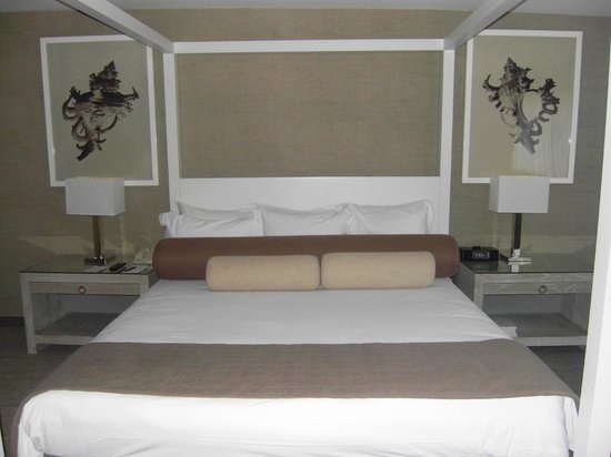 Luxe Sunset Boulevard Hotel: Bed