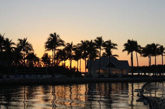 Tranquility Bay Beach House Resort: Sunset