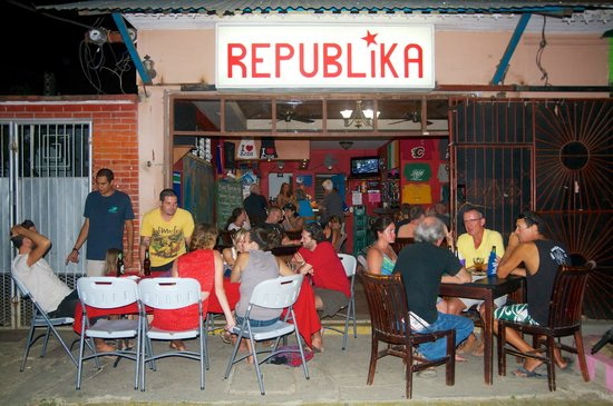 Republika Bar: Trivia Tuesday