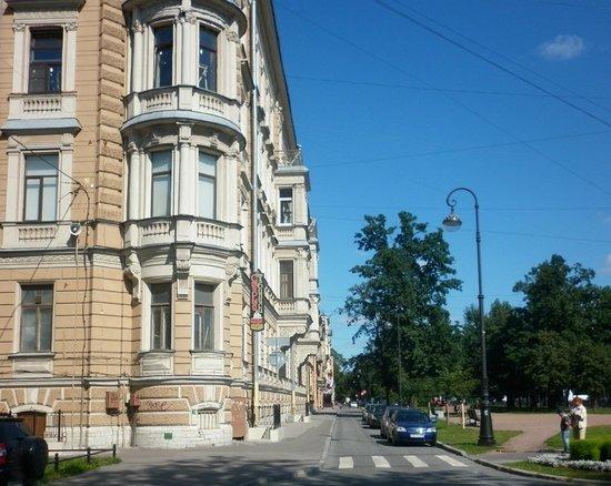 St. Petersburg University: Большой проспект в районе корпуса на 7-ой линии