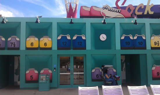 Disney's Pop Century Resort: The laundry room