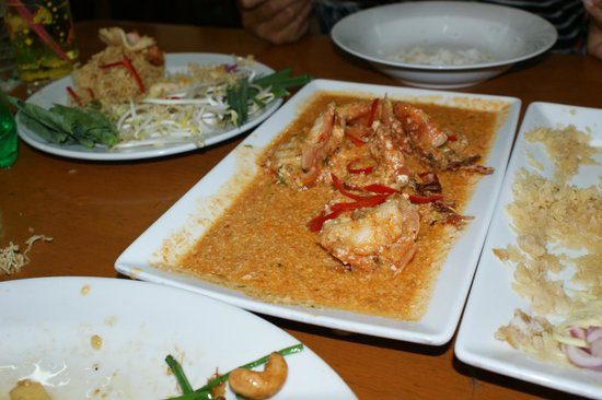 Chote Chitr: Prawns in Red Curry - delicious!