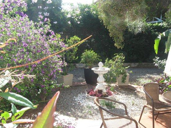 Lucky Bean Guesthouse: Terrasse privée