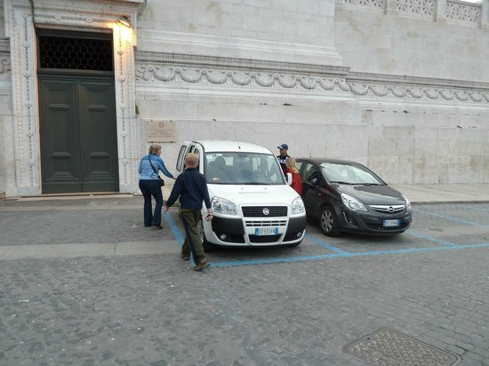 Domus Quiritum B&B: Car tour with Emilliano...pay him to pick you up from the airport...it's well worth it!