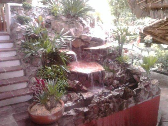 El Rincon del Viejo: LA TOME JUNTO A MI MESA LA CASCADA INCREIBLE