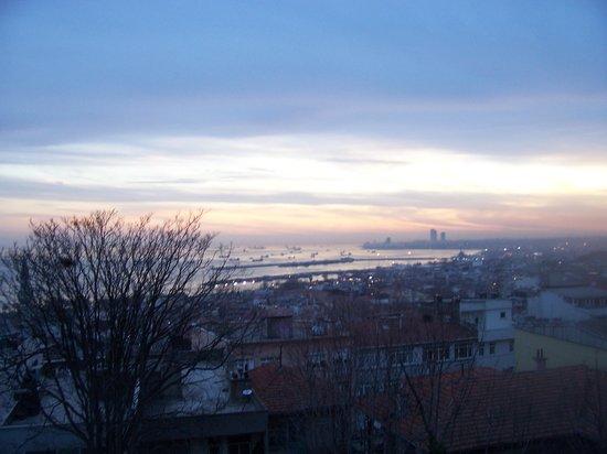 Celine Hotel: Blick aus dem Hotelzimmer Sonnenuntergang im März