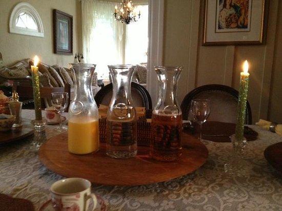 An Inn 2 Remember: Breakfast juices