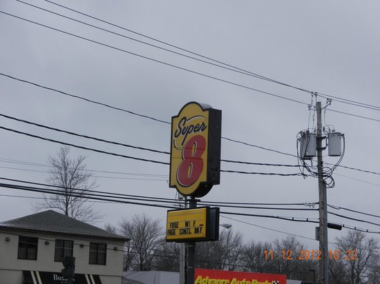 Super 8 Niagara Falls/Buffalo Area: Super 8 in winter