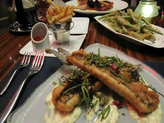 Fish and chips picture of gordon ramsay steak las vegas for Gordon ramsay las vegas fish and chips