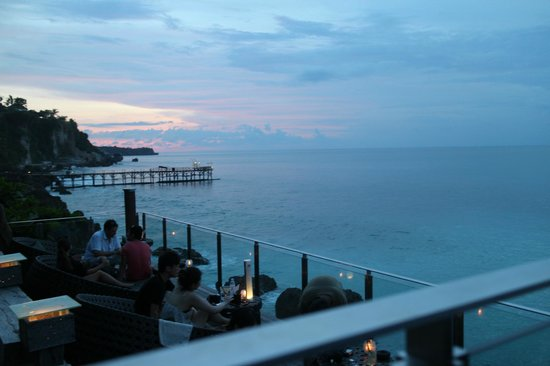 AYANA Resort and Spa Bali: Rock Bar View at Sunset