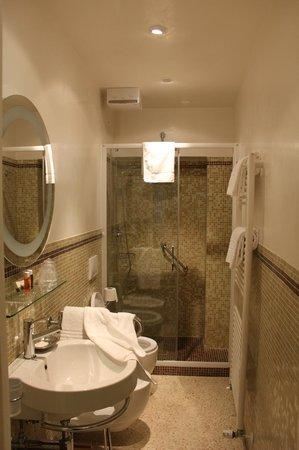 3C B&B: Bathroom
