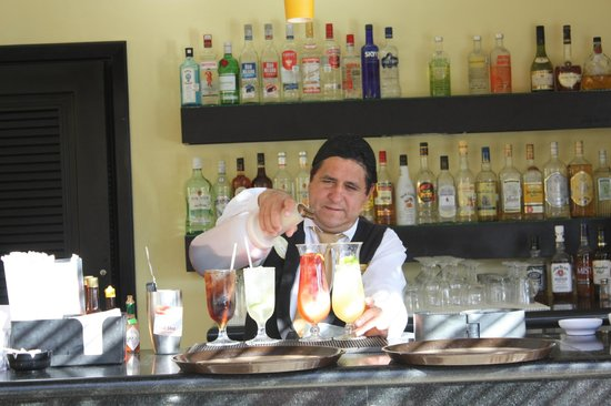 The Royal Suites Punta de Mita: Butler bar service is top notch.