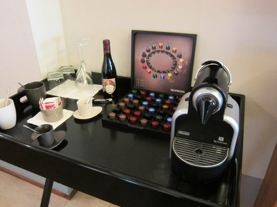 Mario de' Fiori 37 : Nespresso