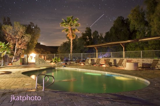 Mercey Hot Springs : shooting star over the pool