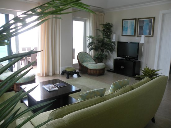 Caribbean Club: other side of family room