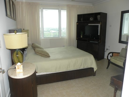 Caribbean Club: 2nd bedroom queen bed, private bathroom