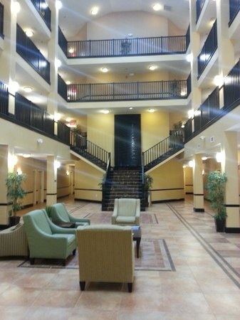 Holiday Inn Express Hotel & Suites Atlanta - Conyers: Atrium