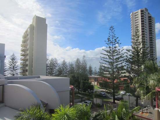 Burleigh on the Beach: Outlook from upstairs terrace