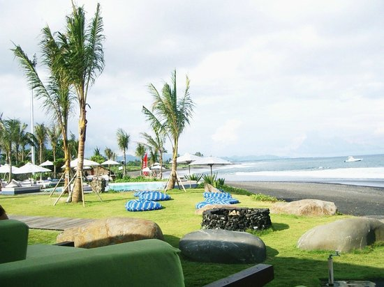 Komune Resort, Keramas Beach Bali: View from bar area