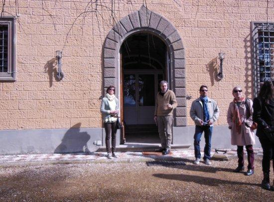 Art Gallery Studio Iguarnieri: Outside the art/wine estate