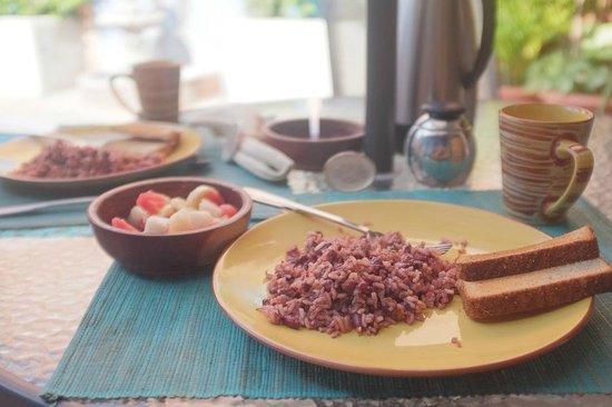 Casa Silas B & B: banana, cantaloupe, gallo pinto, coffee, toast