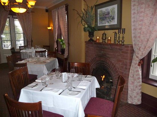 Oakland Hall Inn Formal Dining Room