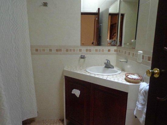 Hotel Meson de los Remedios: baño