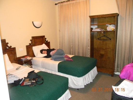 St. Marks Hotel: 2 twin bed room, third floor