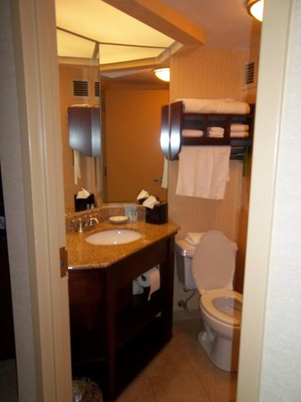 Hampton Inn Fall River/Westport: Room# 425