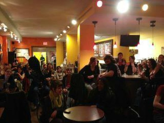 Standing Stone Coffee Company: Music and entertainment drawing a crowd