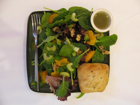 Standing Stone Coffee Company : Delicious paninis, soups and salads
