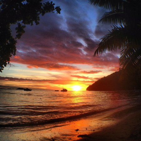 Kulu Bay Resort: Sunset from Kulu Bay.