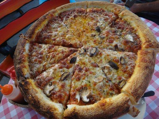 """Pizza n Pasta: NY Pizza - """"Small"""" 14 inch"""