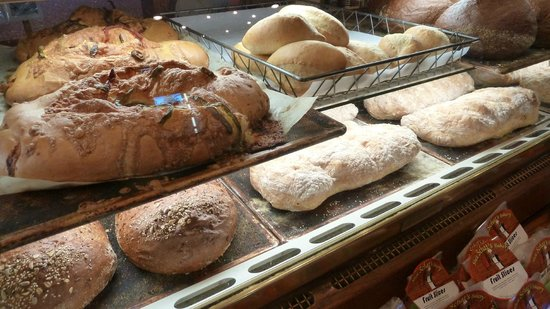 Shea Schat's Bakery : Amazing breads!