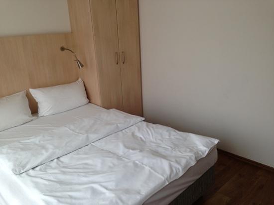 Senator Hotel: room size
