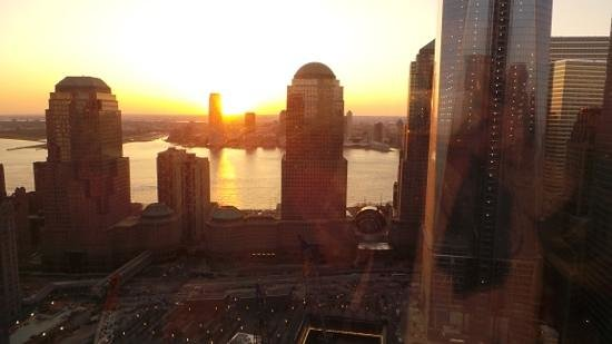 Millennium Hilton New York Downtown: view from room on ground zero