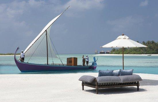 Naladhu Private Island Maldives: Naladhu Beach