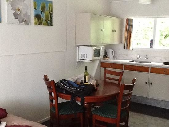 Tower Road Motel : kitchenette in one bedroom family room