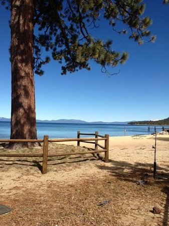 Stardust Lodge: This beautiful beach was walking distance!