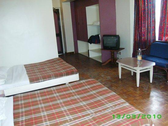 Astoria Hotel : the room
