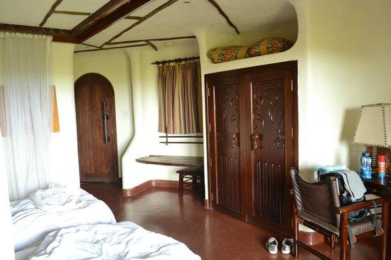 Serengeti Serena Safari Lodge: vista interior de habitacion