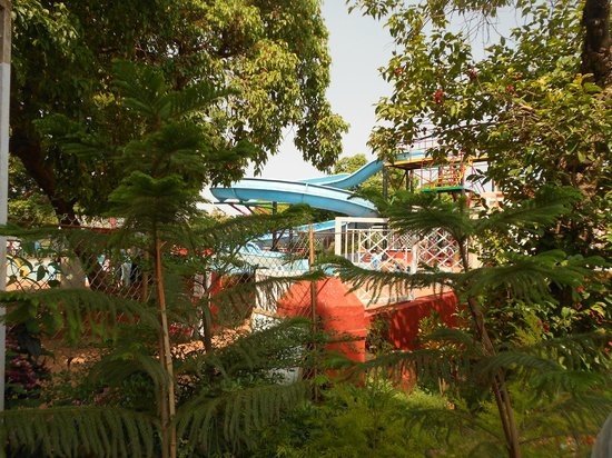 Park Plaza Mahabaleshwar: pool view