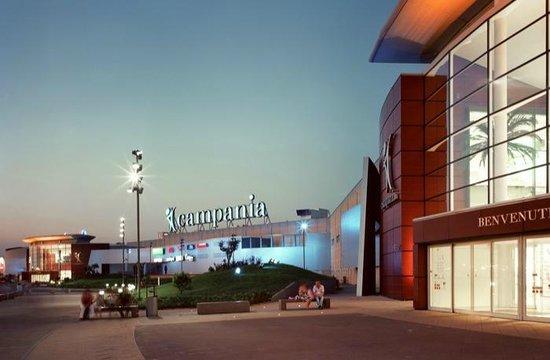 La reggia designer outlet reviews marcianise province for Centro commerciale campania negozi arredamento