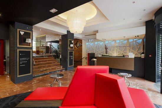 Hotel de Brienne : Lustre Murano datant des années 50