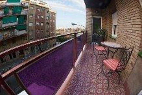 Hostal Badalona: balcon