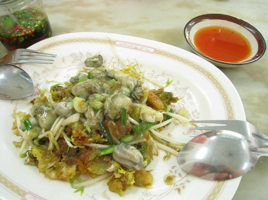 Volcanic Fried Mussel&Oyster: Fried omelette with mussel&oyster
