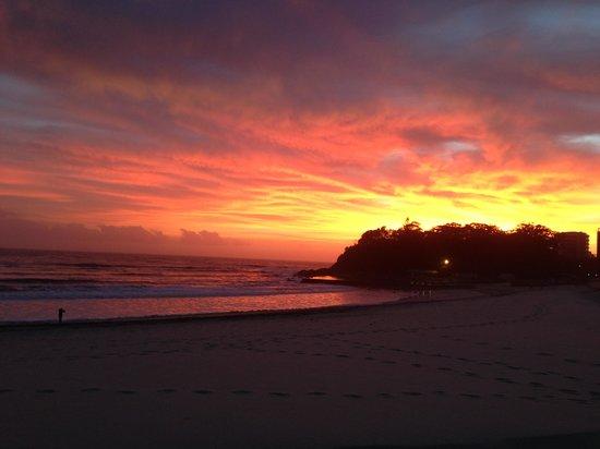 Beach Bums Cafe : Sunrise at beach bums