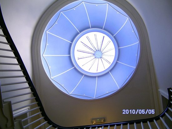 The Anchorage Guest House: Top of the staircase