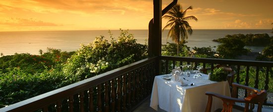 The Pavilion Restaurant: Table at sunset